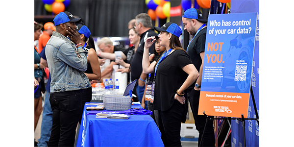 Federated also hosted a vendor expo where members and their customers had a chance to interact with vendors, see new products and learn about programs for the coming year.